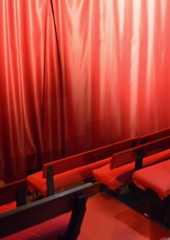 L'histoire du Théâtre Le Point Comédie - Café-théâtre